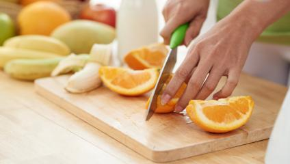 You should cut internal communication copy into chunks the same way you cut up oranges.