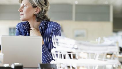distracted woman at virtual focus group