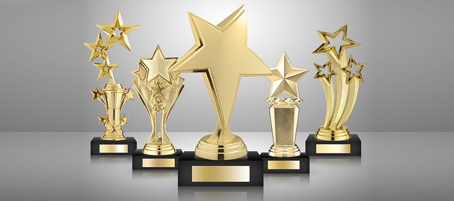 engage employees with a recognition program
