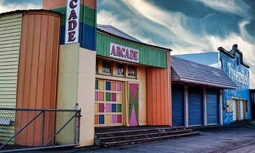 Closed arcade